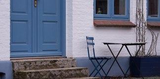 Φτιάξε πολλά με την παλιά καρέκλα και το παλιό τραπέζι