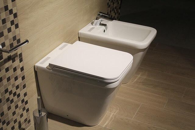 Φτιάξτε καθαριστικό τζελ για τη λεκάνη της τουαλέτας