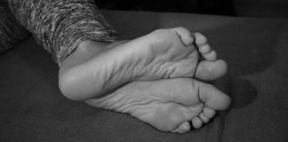 Ιδρώνουν τα πόδια σας;