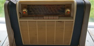 Το φορητό ραδιόφωνο, έτσι θα το καθαρίσεις
