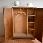 Για τη σκόνη πάνω από το ντουλάπι