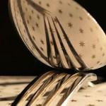 Υπολείμματα αβγού στα ασημένια μαχαιροπίρουνα