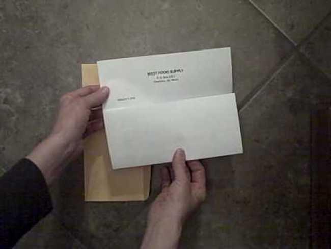 Το γράμμα έτσι το διπλώνουμε