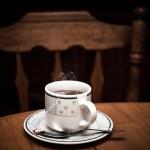 Μαυρισμένα φλιτζάνια από τσάι ή καφέ