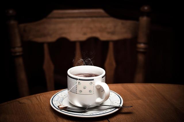 μαυρισμένα φλιτζάνια τσαγιού ή καφέ