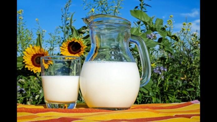 Γάλα για όμορφη και λαμπερή επιδερμίδα