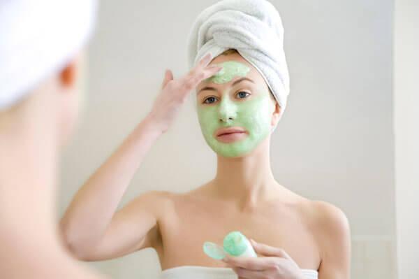 Εύκολη μάσκα για ξηρό δέρμα στο πρόσωπο