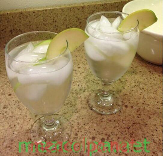 Φτιάξτε ένα ρόφημα δροσερό και τονωτικό με μήλο και κανέλα