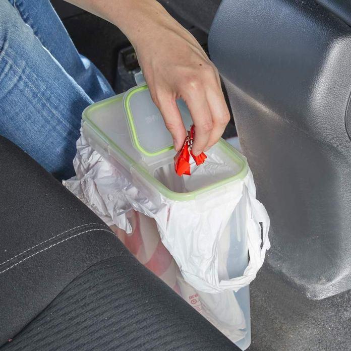 Για να μη λερώνεις το αυτοκινητο