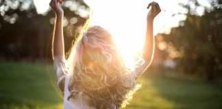 Φτιάξτε αρωματική θεραπεία για τα μαλλιά