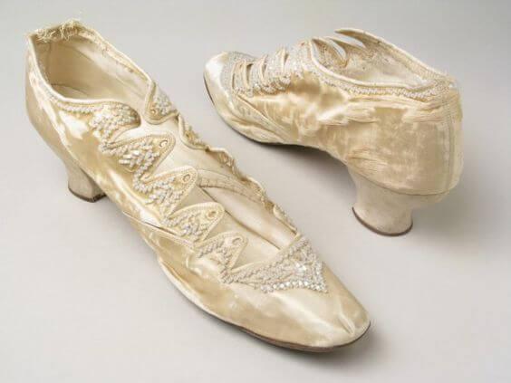 Παπούτσια και μποτάκια που ήταν της μόδας από 1870 μέχρι 1900