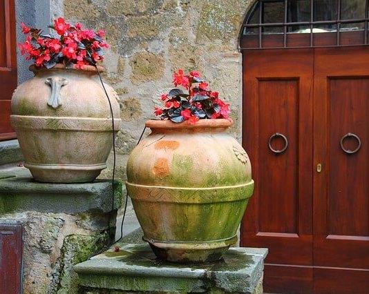 Η πόρτα που αντικαταστάθηκε και επαναχρησιμοποιήθηκε