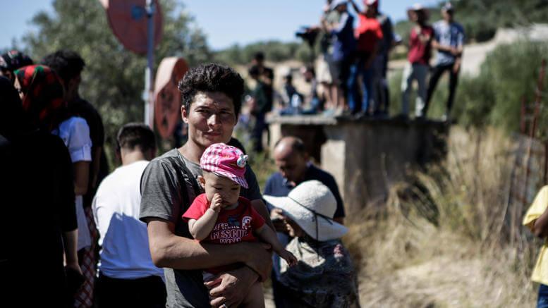 Γιατί έφαγε ξύλο ο διερμηνέας των μεταναστών;