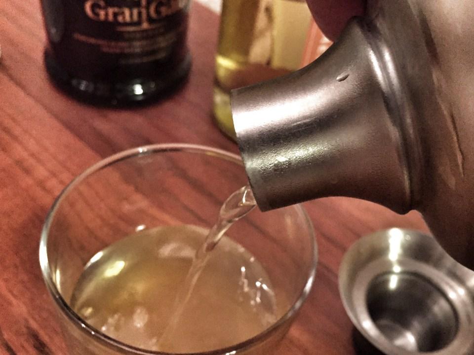 cocktail shaker pour