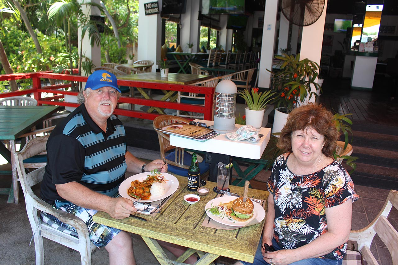 Meads Beach Bar Grill Fresh Seafood Steaks Best Service Fun in Bali