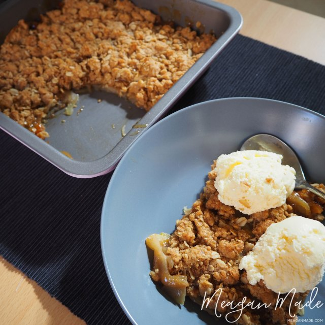 Apple Crumble | MeaganMade.com