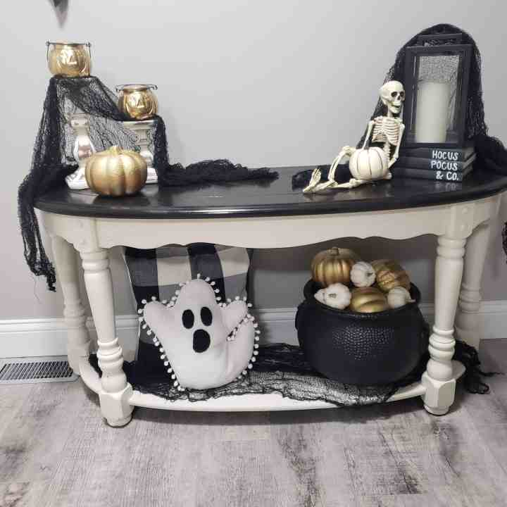 Decorate for Halloween: Tips, Tricks, and DIYs