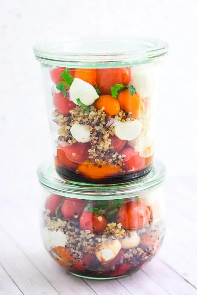 quinoa-caprese-mason-jar-salad (2)