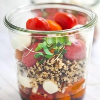 quinoa-caprese-mason-jar-salad