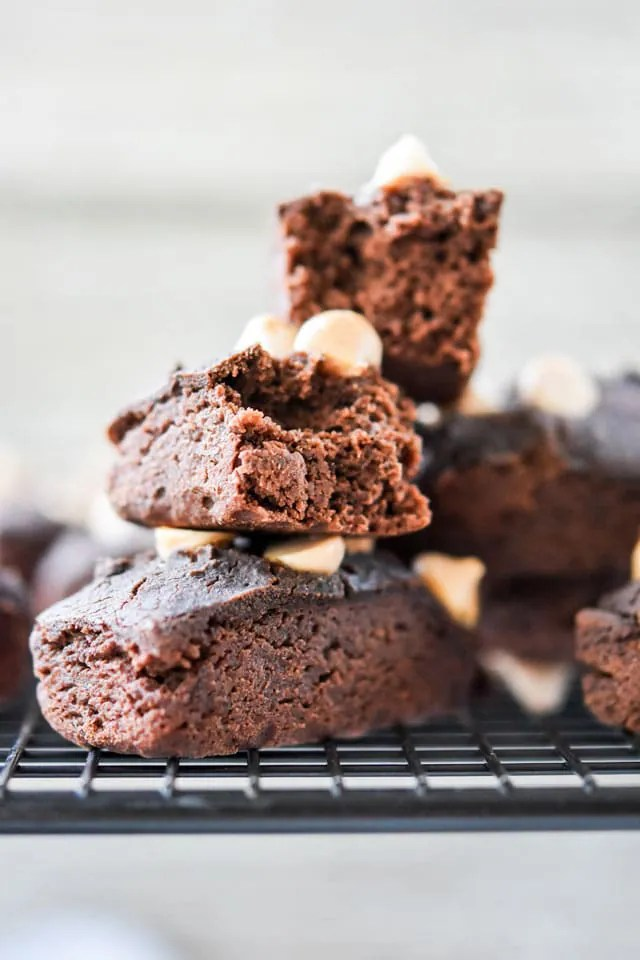 Black-Bean-Brownie-Bites-with-Salted-Caramel-bits6