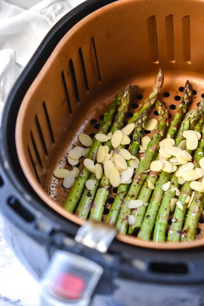 Air Fryer Balsamic Asparagus with Sliced Almonds_6
