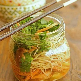 DIY Chicken and Vegetable Ramen Noodles
