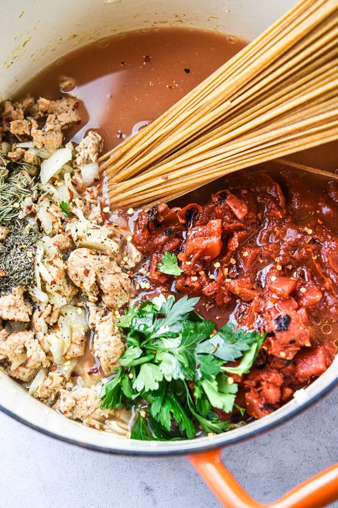 asy One Pot Linguine with Italian Sausage in the pot