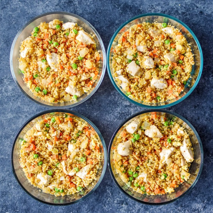 """Meal Prep Chicken Quinoa Fried """"Rice"""" Bowls"""