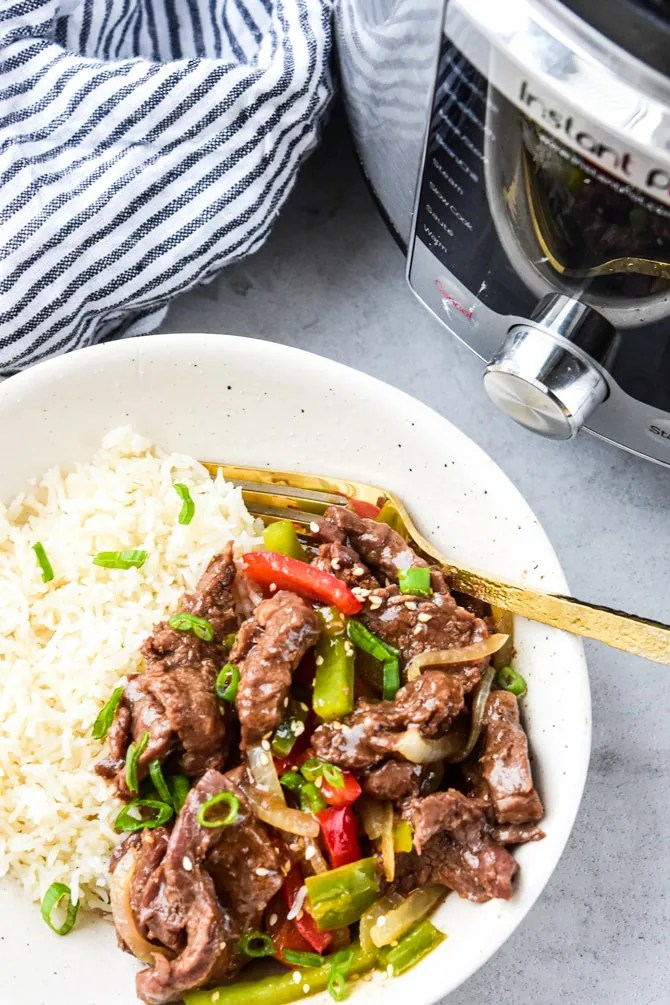 Instant Pot Pepper steak plated