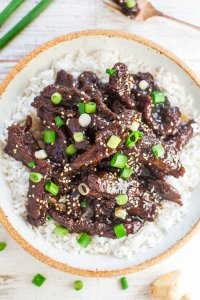 Mongolian Beef Recipe for those that miss their Chinese takeout using these copy cat restaurant recipes. Save money plus help your family adapt more easily to a meal plan with these 20 restaurant favourite recipes.