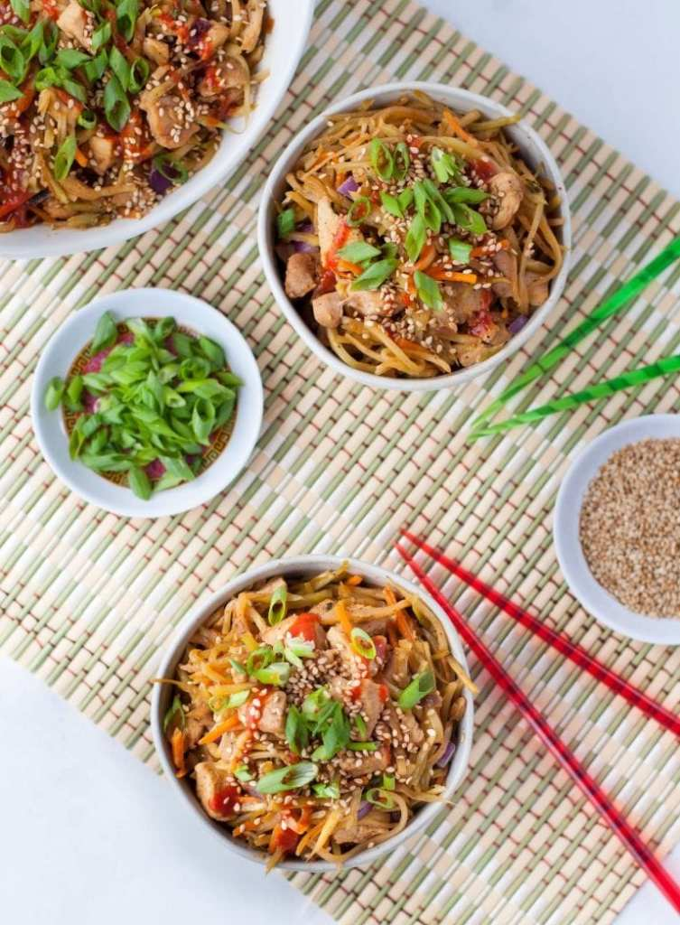 Easy egg roll recipe for those that miss their Chinese takeout using these copy cat restaurant recipes. Save money plus help your family adapt more easily to a meal plan with these 20 restaurant favourite recipes.