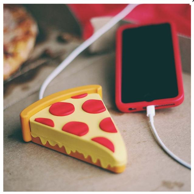pizza-phone-charger