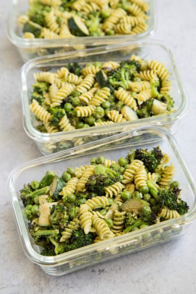 Arugula pesto pasta salad meal prep