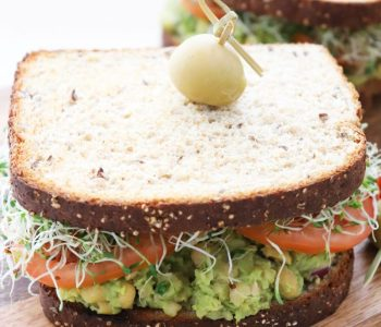 chickpea and avocado salad sandwiches