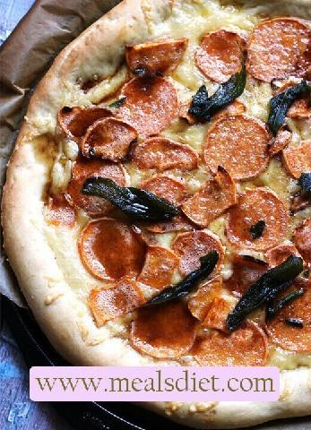 بيتزا مقلية بالبطاطا الحلوة و الزبذة البنية