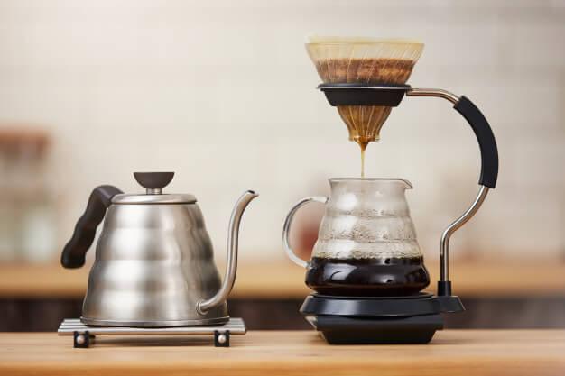 لا تتخلص من القهوة القديمة! لا يزال مفيدًا جدًا لهذه الأعمال السبعة!