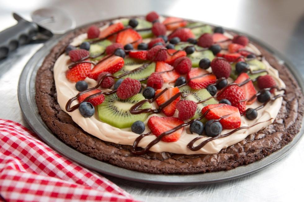 Fruity Brownie Pizza