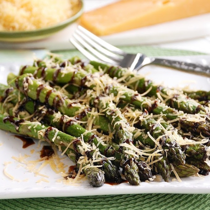 Roasted Asparagus with Gouda