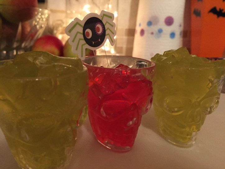 halloween jelly party food snacks healthy alternatives pudding dessert skull shot glasse