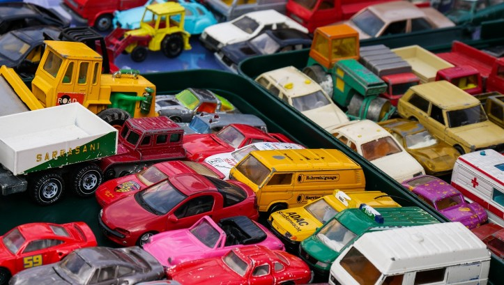 carboot shopping with a toddler kids cheddar car boot southwest vintage markets