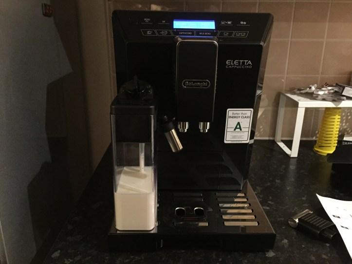 Delongi Bean Cup Espresso Cappuccin -Machine for black friday milk