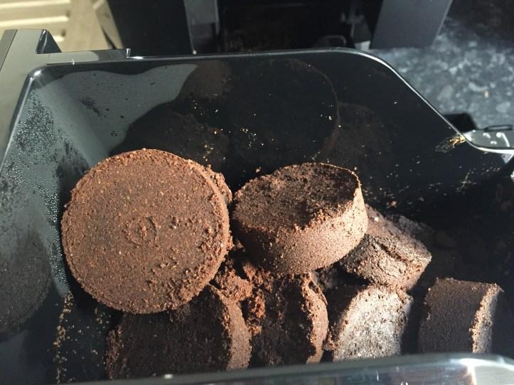 Delongi Bean Cup Espresso Cappuccin -Machine for black friday coffee grounds