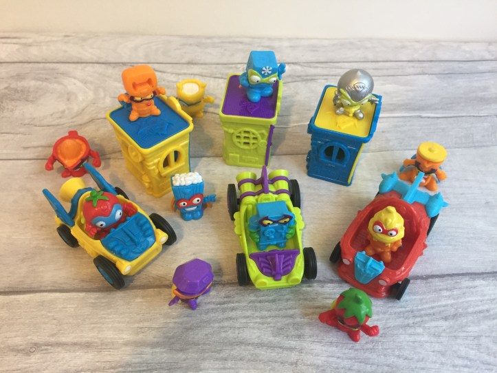 SuperZingsRivals of Kaboom Series 1 'Heroes and Villains