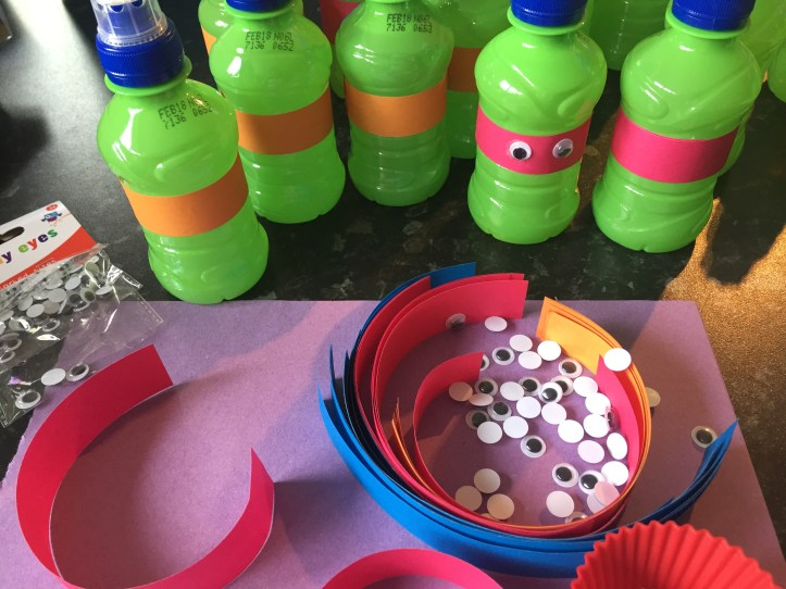 Teenage Mutant Ninja Turtle Party food ideas for drinks and apples