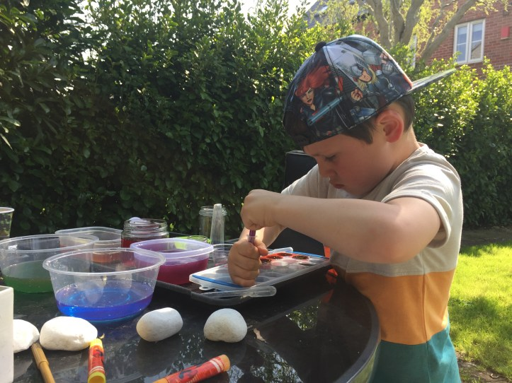 using food colouring for fun water play ideas