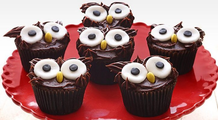 super easy sweet treats, cookies, and recipes for Halloween - wise owl cupcakes