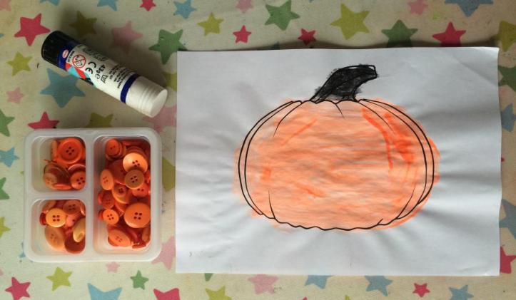 Pumpkin Button craft Easy Halloween ideas