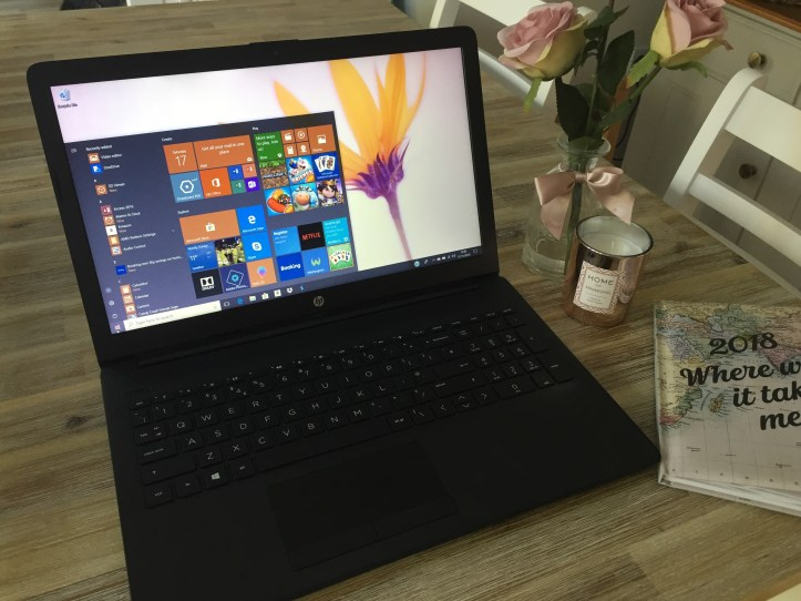HP notebook 15-db0043na Laptop review and how to set up