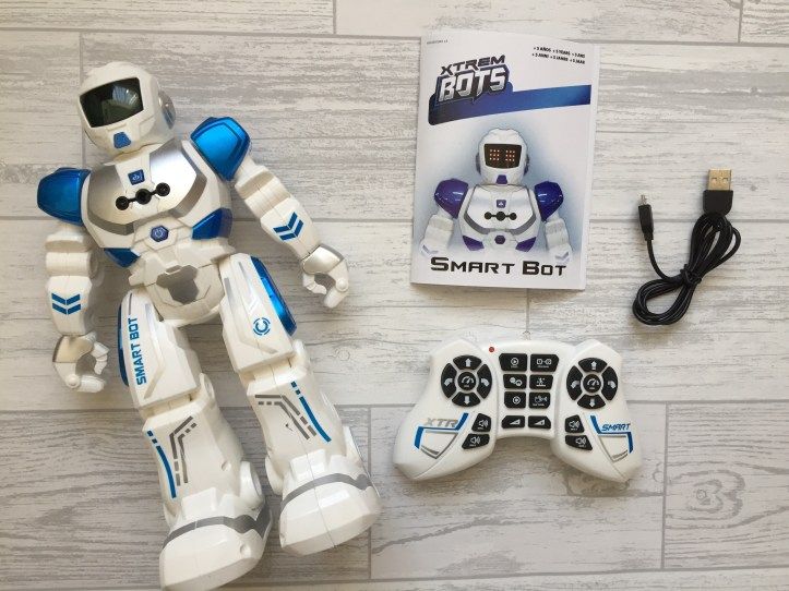 Xtrem smart bot robot toy and controller