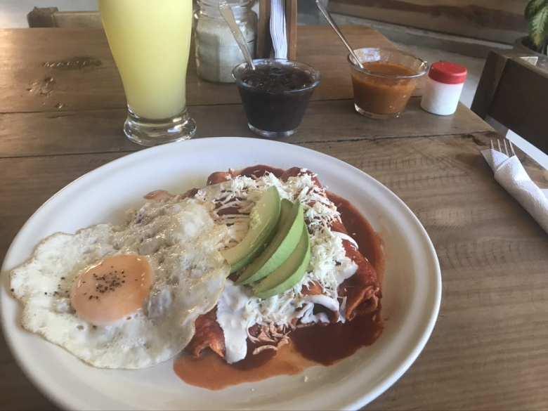 Enchiladas con huevos